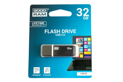 USB-флэш-накопитель GOODRAM Graphite 32GB UMO2 Black