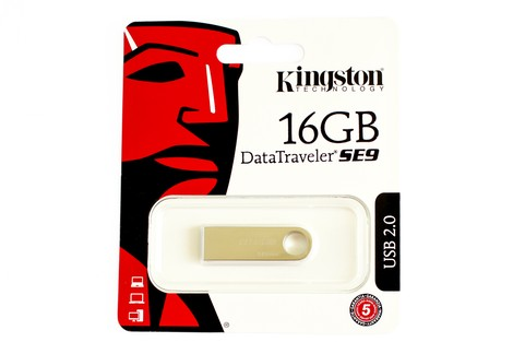 USB-флеш-накопичувач Kingston Data Traveler 16GB DT SE9 Metal